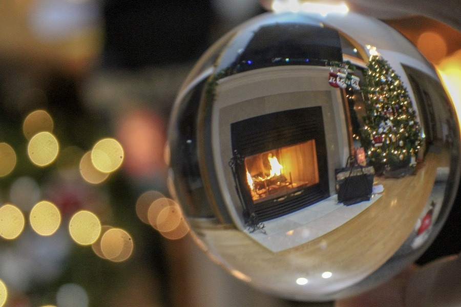Christmas via Glass Ball